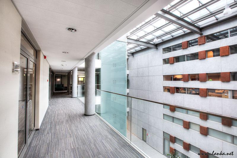 fotografia architektury i wnętrz, wnętrze biurowca
