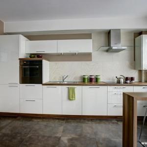 Fotografia architektury i wnętrz, nowoczesna elegancka kuchnia