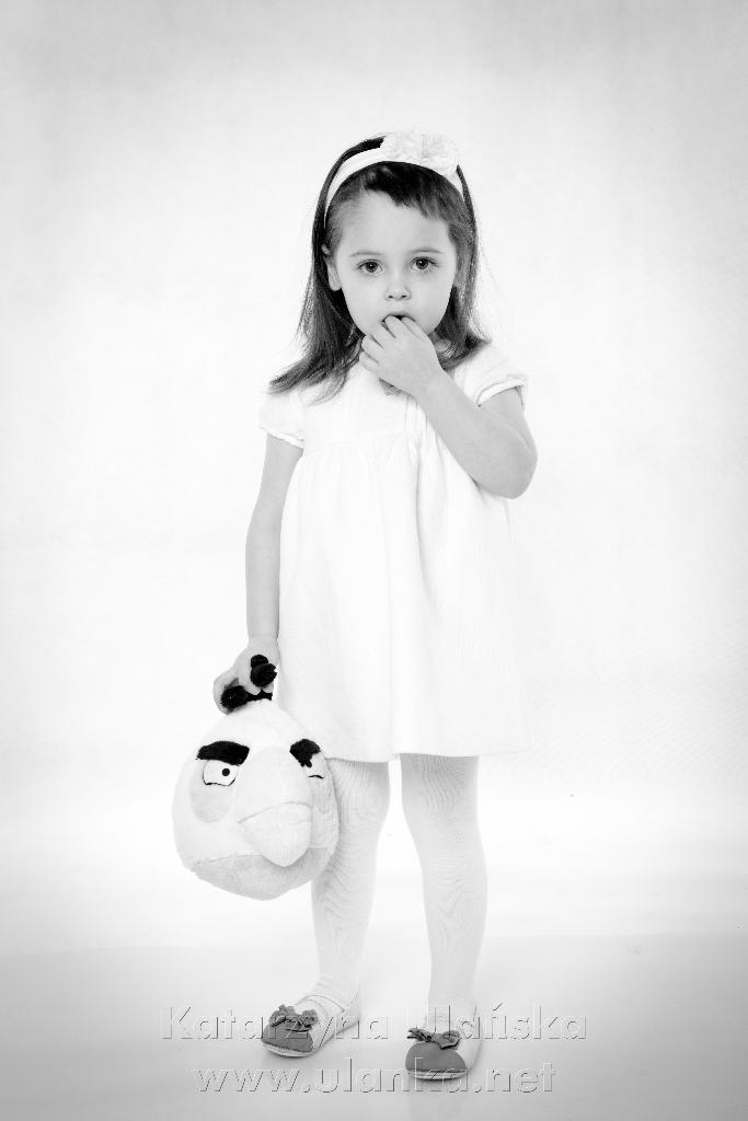 Dziewczynka z maskotką