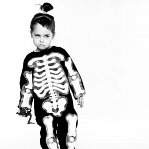 Zdjęcie dziecka w przebraniu helloween