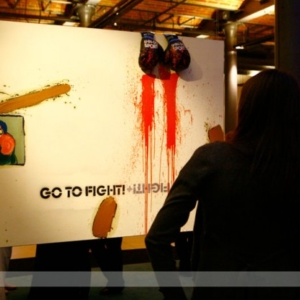 Fotografia eventowa, wystawa obrazów Leszka Bartkiewicza, instalacja na temat sportu