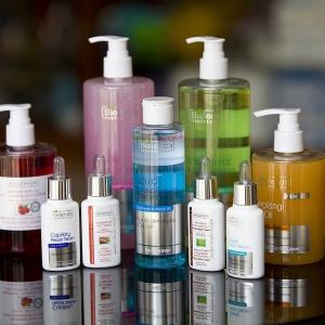 packshot - fotografia produktu, zestaw kosmetyków Bielanda
