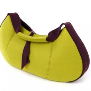 Packshot fotografia produktu - żółto-bordowa torebka damska
