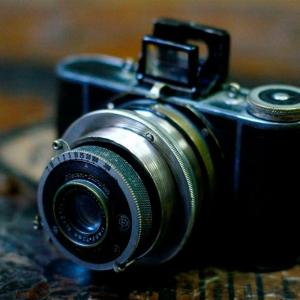 Packshot fotografia produktu, stary aparat fotograficzny, zdjęcie HDR