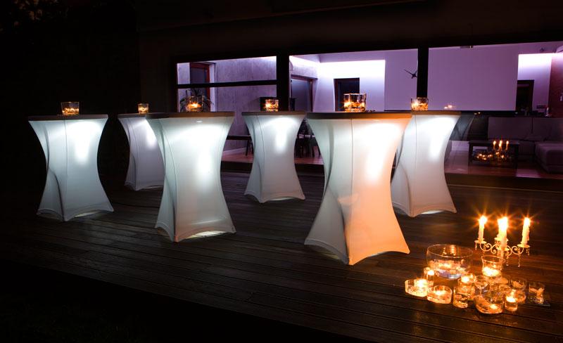 Packshot lampki na stołach