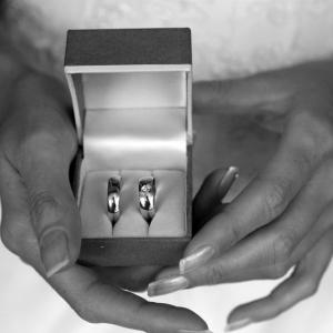 Fotografia ślubna - przygotowania, obrączki