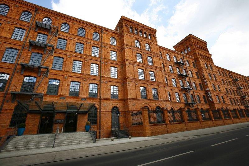 Fotografia architektury i wnętrz, budynek w Łodzi