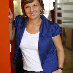 Kobieta w niebieskiej koszuli