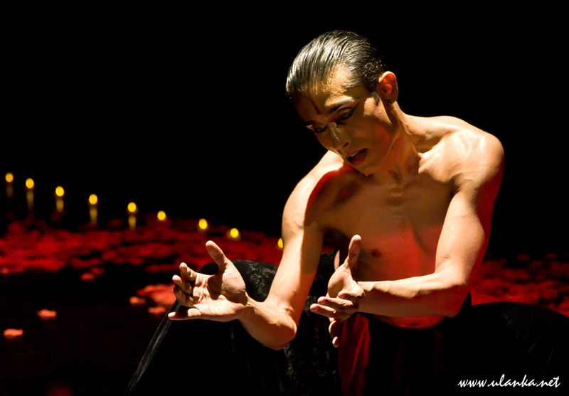 India India Festival, tancerz 01