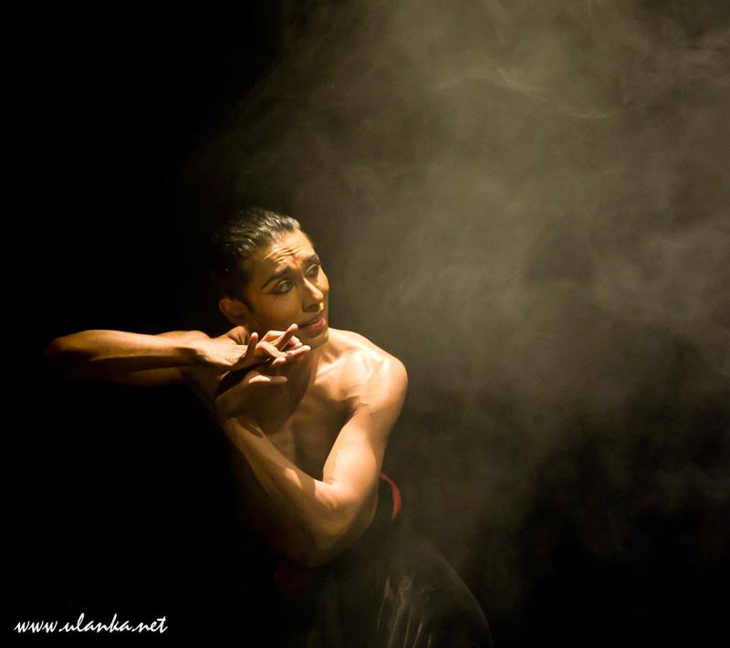 India India Festival, tancerz 02