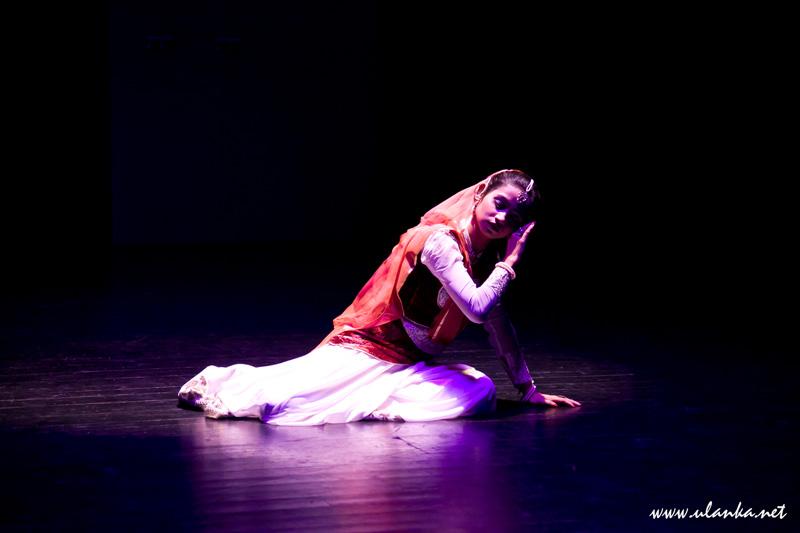 India India Festival, tancerka 03